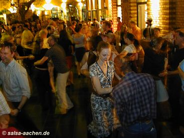 Salsa im Besitos Kapuzinerkaree Aachen