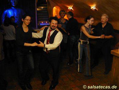 Salsa in der Buddha-Bar (B-Bar) in Aachen